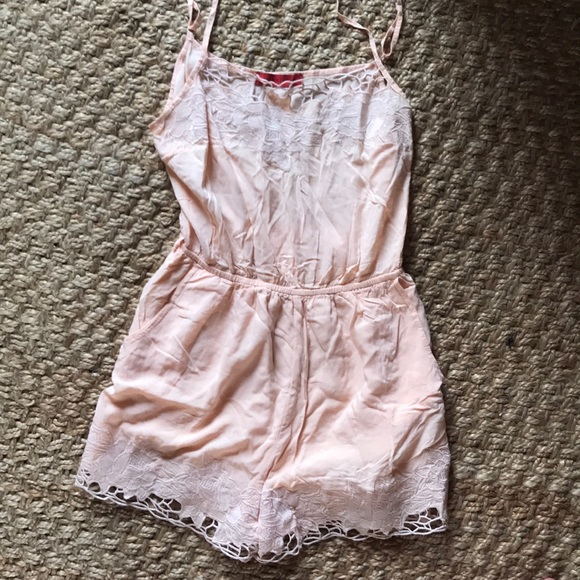 Signature8 Pants - NWOT Peach silky lace Romper with pockets